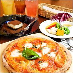 ピザ食べ放題の営業時間