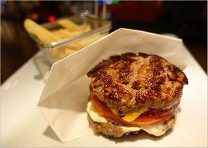 シェイクツリーの店舗紹介!両国でハンバーガーを食べるならココ!!